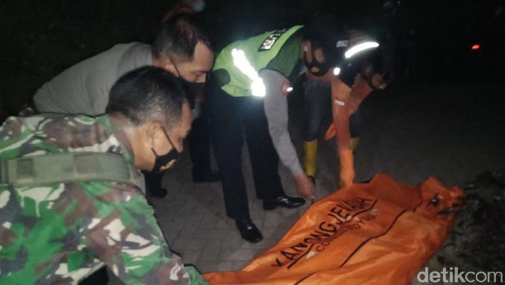 Pencari Rumput Temukan Kerangka Manusia di Dasar Sungai Mojokerto