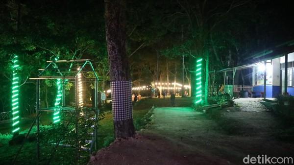 Pijar Park baru dibuka mulai tahun 2021. Dulunya Pijar Park merupakan bumi perkemahan. Di Pijar Park pengunjung bisa menikmati keindahan alam berupa hutan dan bisa menikmati keindahan kota Kudus dari lereng Gunung Muria.