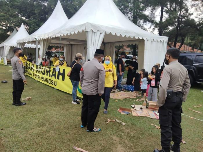 Polisi Bubarkan Acara Bazar di Cimanggis Depok