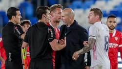 Pique Serang Balik Madrid soal Wasit