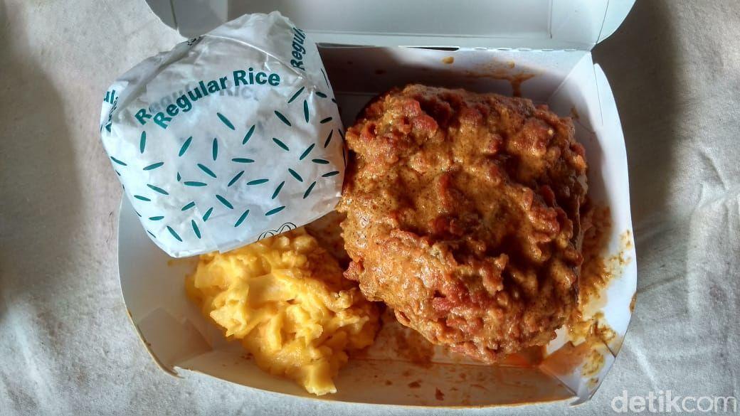 Viral! Makan Ayam Gulai McD Seperti Sensasi Makan di Rumah Makan Padang