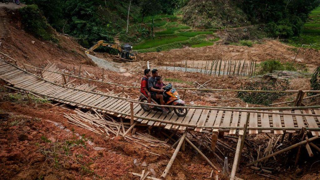 Pascalongsor, Jalan Penghubung Desa di Lebak Masih Rusak