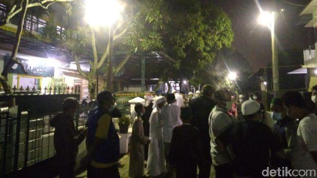 Suasana kediaman Ustaz Tengku Zulkarnain di Medan (Datuk Haris/detikcom)