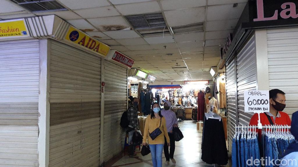 Sejumlah Kios Tutup, Begini Suasana Pasar Tanah Abang H-3 Lebaran