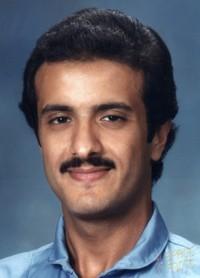 Sultan bin Salman Al Saud. Dari namanya sudah terungkap bahwa ia adalah anggota kerajaan Arab Saudi. Salman Al Saud adalah astronaut muslim, orang Arab, dan anggota kerjaan pertama yang meluncur ke antariksa pada 17 Juni 1985.