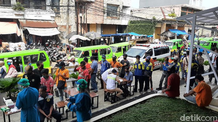 Tes swab acak di Pasar Anyar Bogor