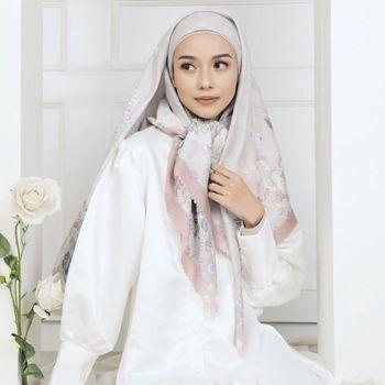 Rekomendasi hijab untuk Lebaran 2021 dari Radwah.