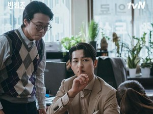 Bintang Vincenzo Ini Ungkap Sifat Asli Song Joong Ki dan Jeon Yeo Bin