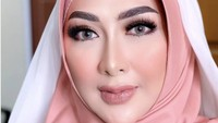 8 Gaya Yuni Rahma, Istri Bupati Nganjuk yang Suaminya Ditangkap KPK