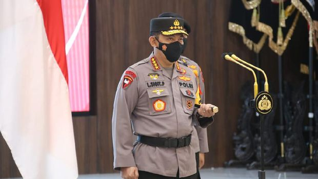 Kapolri Jenderal Listyo Sigit Prabowo saat memimpin upacara kenaikan pangkat 6 pati