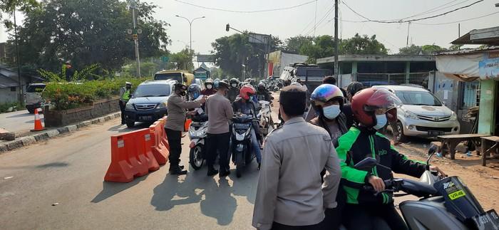 Kendaraan Baracuda disiapkan cegah pemudik terobos pos penyekatan di Bekasi