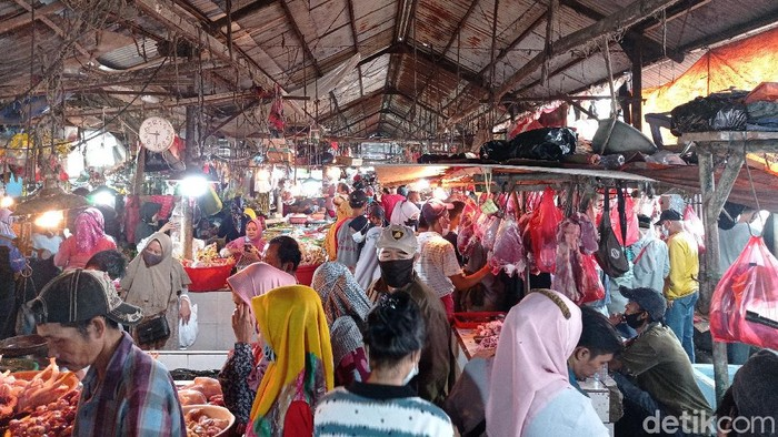 Kondisi lapak daging Pasar Minggu, Selasa