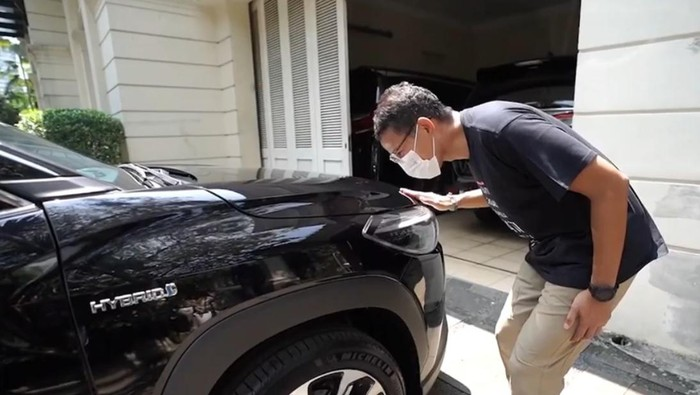 Menparekraf Sandiaga Uno menjajal Toyota Corolla Cross Hybrid