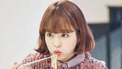 Park Bo Young Saat Jadi Chef hingga Melahap Mie dalam Adegan Drama
