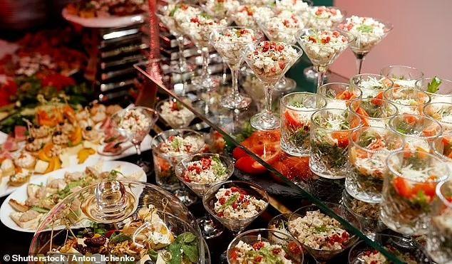 Pelit Banget! Pengantin Ini Beri Makanan Sesuai Harga Hadiah dari Tamu Undangan