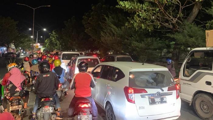 penyekatan jembatan suramadu menuju Madura dan trik warga lolos