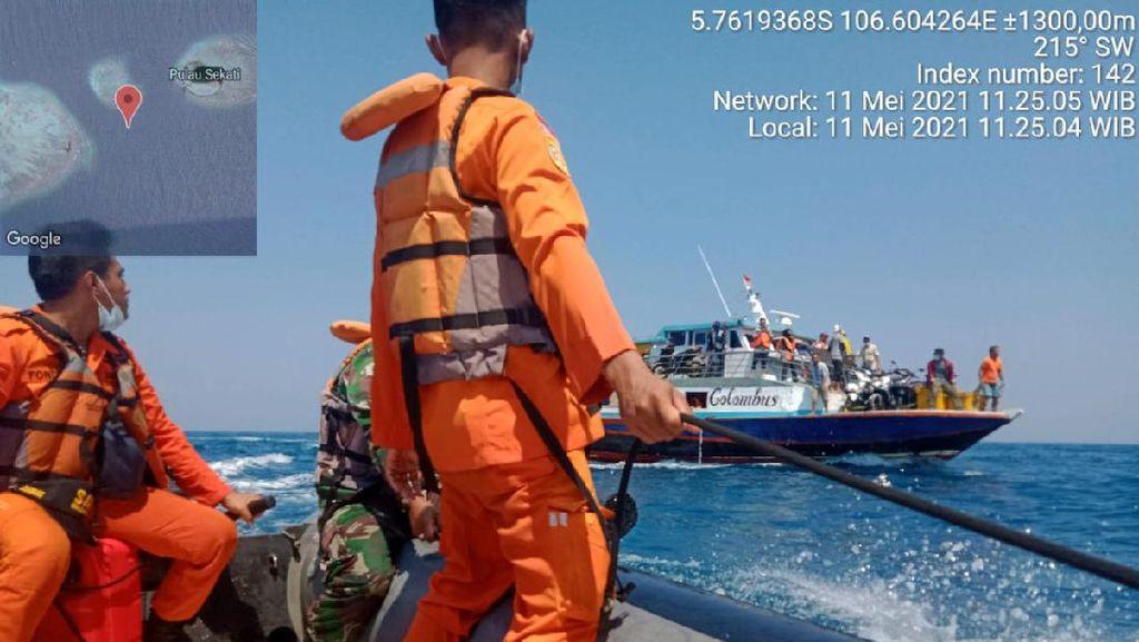 Melihat Evakuasi Penumpang KM Columbus yang Bocor di Kepulauan Seribu