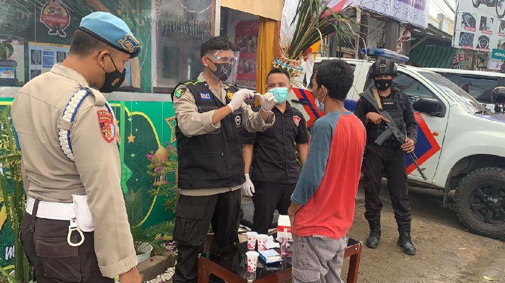 Antisipasi Pemudik, Polres Lombok Utara Lakukan Penyekatan-Tes Urine