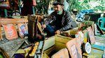 Potret Seniman di Tangerang Mengolah Limbah Menjadi Rupiah
