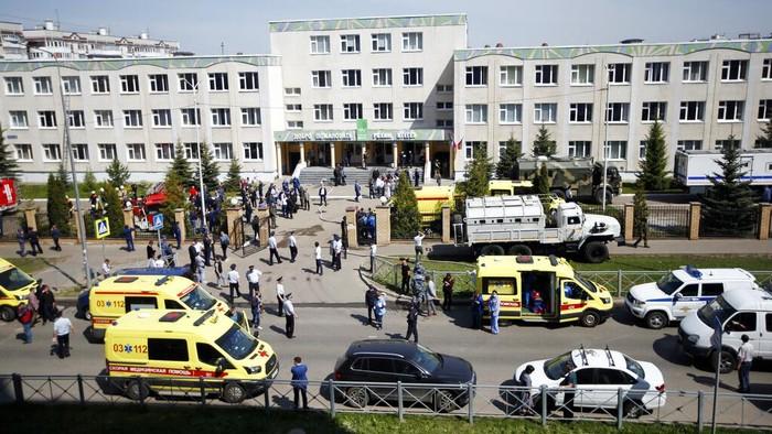 Insiden penembakan terjadi di sebuah sekolah di Kota Kazan, Rusia. Diketahui 11 orang tewas akibat penembakan brutal tersebut.