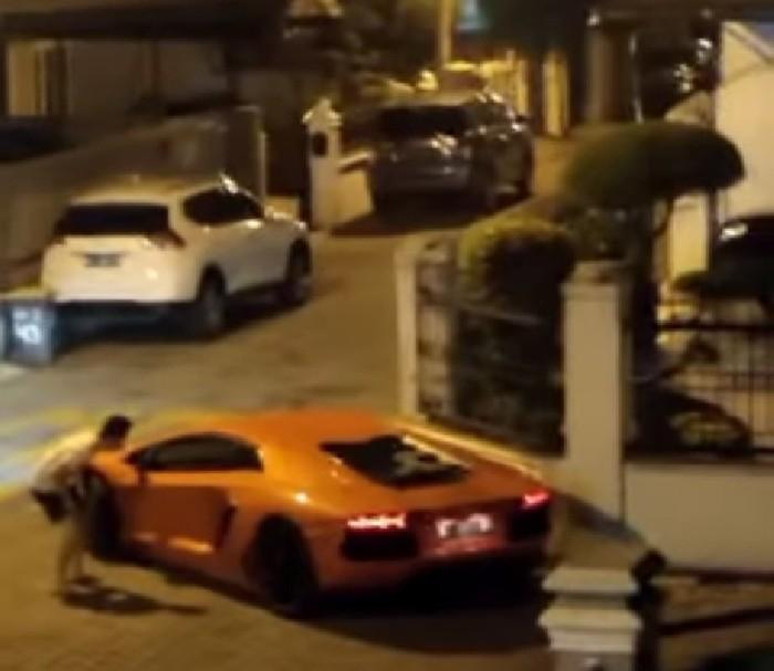Viral Lamborghini Geber Knalpot di Kompleks Medan Ogah Ditegur Warga (Foto: Tangkapan layar video viral)