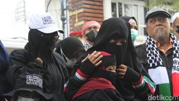 Aksi dukungan untuk Palestina di Bandung.