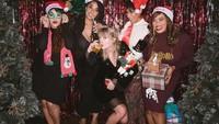 Taylor Swift Ternyata Hobi Nongkrong, Yuk Intip Keseruannya!