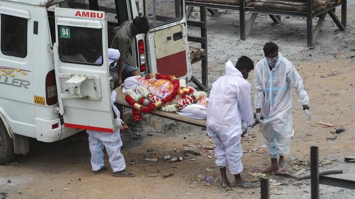 Kasus kematian akibat COVID-19 di India kembali memecahkan rekor sebelumnya. Saat ini, angka kematian di India telah mencapai 250 ribu orang.