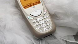 Deretan Ponsel Lawas dengan Jutaan Kenangan