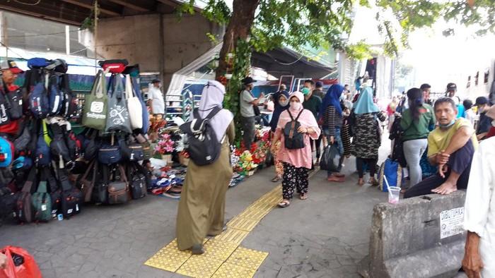 Suasana di Pasar Tanah Abang Jakpus