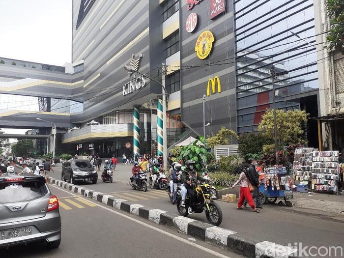 Suasana di salah satu pusat perbelanjaan Bandung di H-1 Lebaran