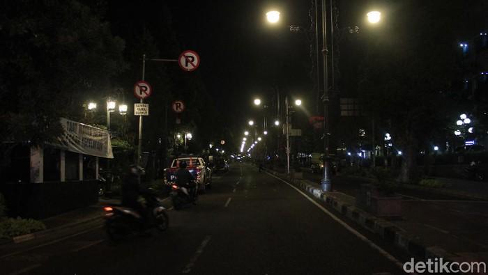 Suasana jalan Badung di malam takbiran