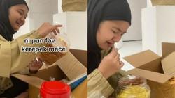 Tak Bisa Pulang Kampung, Wanita Ini Nangis Dikirimi Makanan Sang Ibu