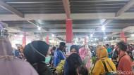 H-1 Lebaran, Pasar Tradisional di Majalengka Diserbu Warga