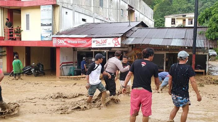 Banjir dan Tanah Longsor terjadi di sejumlah wilayah di Simalungun Sumut