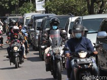 Lalin Perbatasan Bandung Ramai di Tengah Larangan Mudik Lokal