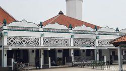 Mudik Dilarang, Masyarakat Pilih Wisata Religi ke Makam Luar Batang