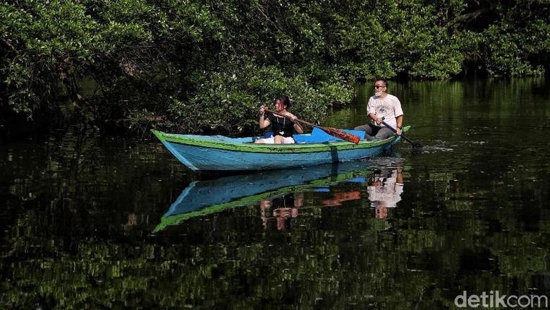 Libur Lebaran kerap dimanfaatkan masyarakat untuk berwisata bersama keluarga. Di PIK, kawasan ekowisata berbasis hutan mangrove ini cocok untuk libur Lebaran.