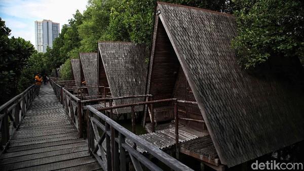 Kawasan Ekowisata Mangrove yang berlokasi di Pantai Indah Kapuk bisa jadi destinasi wisata menarik untuk dikunjungi saat libur Lebaran.