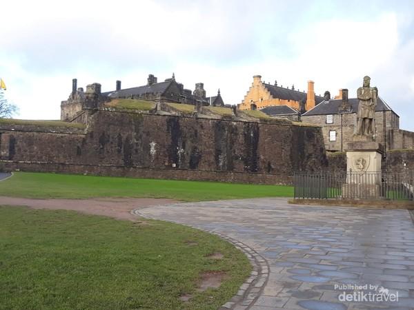 Stirling Castle salah satu kastil paling penting dalam sejarah Scotland