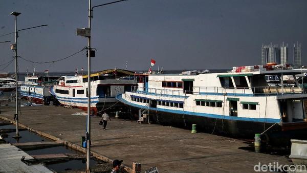 Salah satu anak buah kapal di Pelabuhan Kaliadem Muara Angke menyebut bahwa biasanya pada hari H lebaran, tiada penumpang yang menyeberang ke Kepulauan Seribu. Aktivitas libur lebaran baru dimulai di H+2 atau 3.