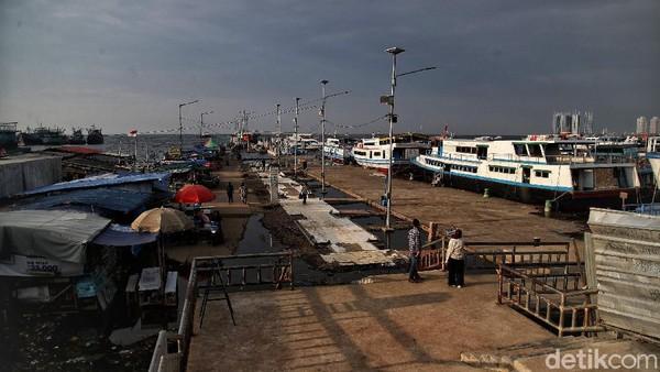 Suasana kawasan Pelabuhan Kaliadem, Muara Angke, Jakarta Utara, Rabu (12/5) kemarin.