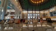 Salat Id di Masjid Al-Akbar Surabaya, Khatib Dibatasi 10 Menit
