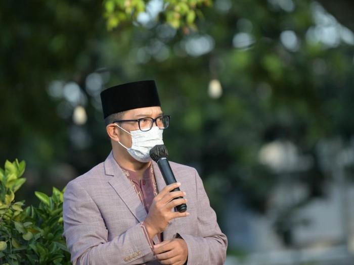 Ridwan Kamil mengizinkan warga silaturahmi asalkan protokol kesehatan ketat