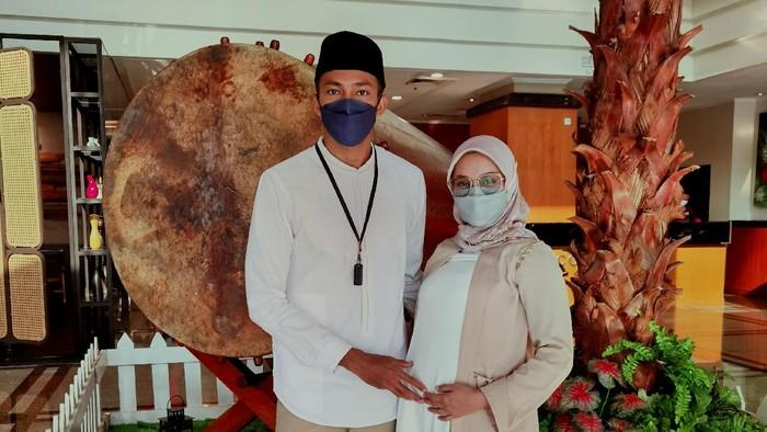 Sapwaturrahman merayakan Idul Fitri di kamar Hotel.