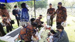 Lebaran Ketiga Tanpa Bu Ani, SBY: Hidup Saya Tak Pernah Sama Lagi
