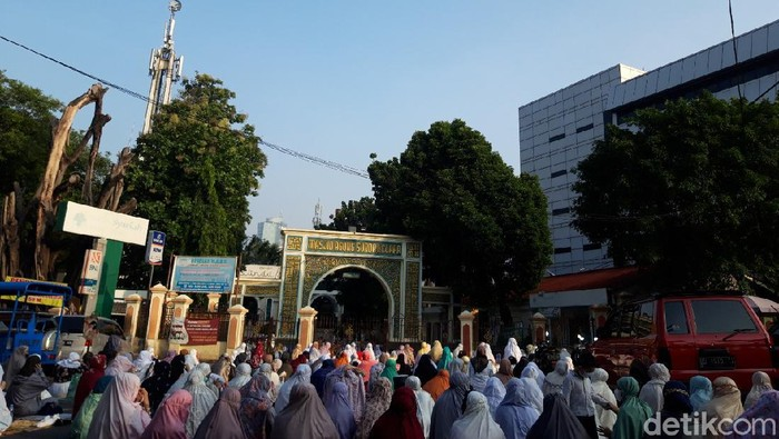 Suasana salat Id di Masjid Sunda Kelapa (Rakha/detikcom)