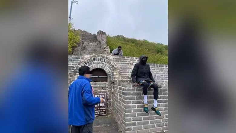 Turis Senegal Afrika panjat Tembok Besar China