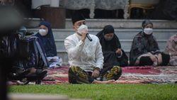Salat Id di Rumah Dinas, Wali Kota Eri Imbau Warga Surabaya Tak Salam-salaman