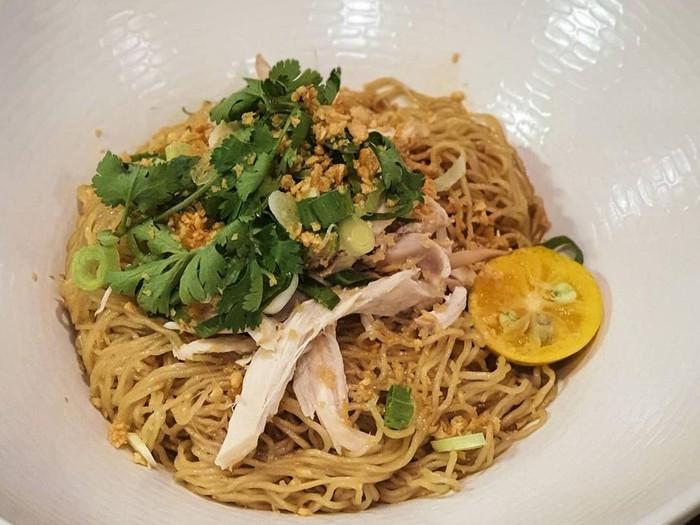 5 Tempat Makan Bakmi Kekinian Pakai Topping Ayam Kampung hingga Se'i Sapi